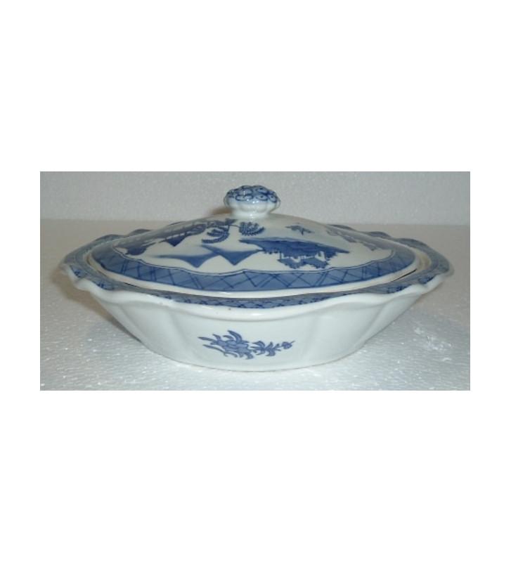 ZUPPIERA IN PORCELLANA CINESE BIANCA E BLU.zuppiera oriental art 27x23xH11cm
